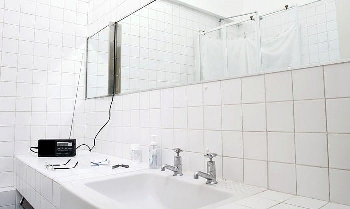 bathroom-radios