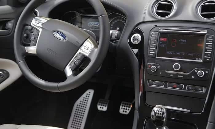 how to remove a Ford radio without tool
