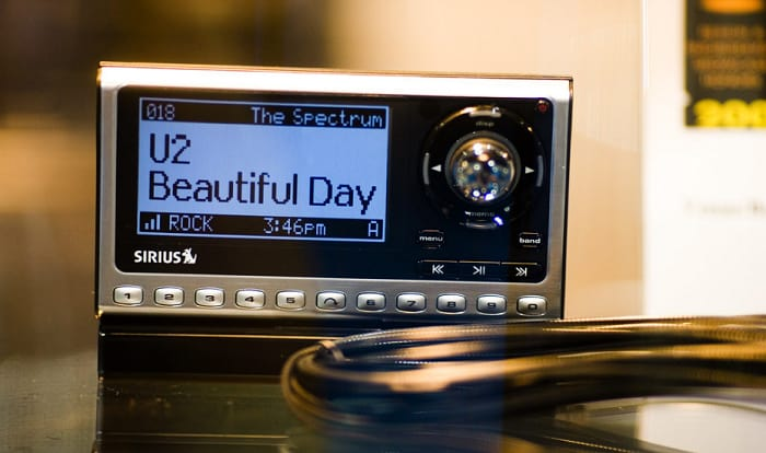 how to hook up sirius radio to home stereo