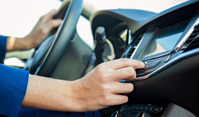 how to turn on radio without starting car